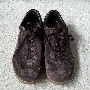 Puma Liga suede brown sneakers. Size 10.